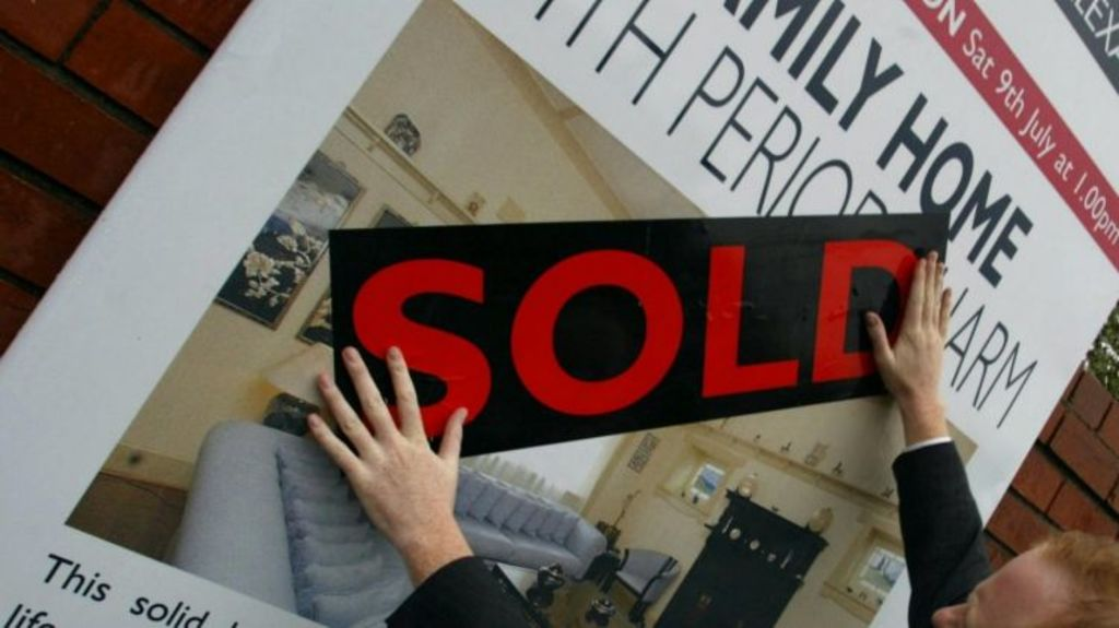 Property prices in Sydney grew over the June quarter, after six months of price falls. Photo: Fairfax