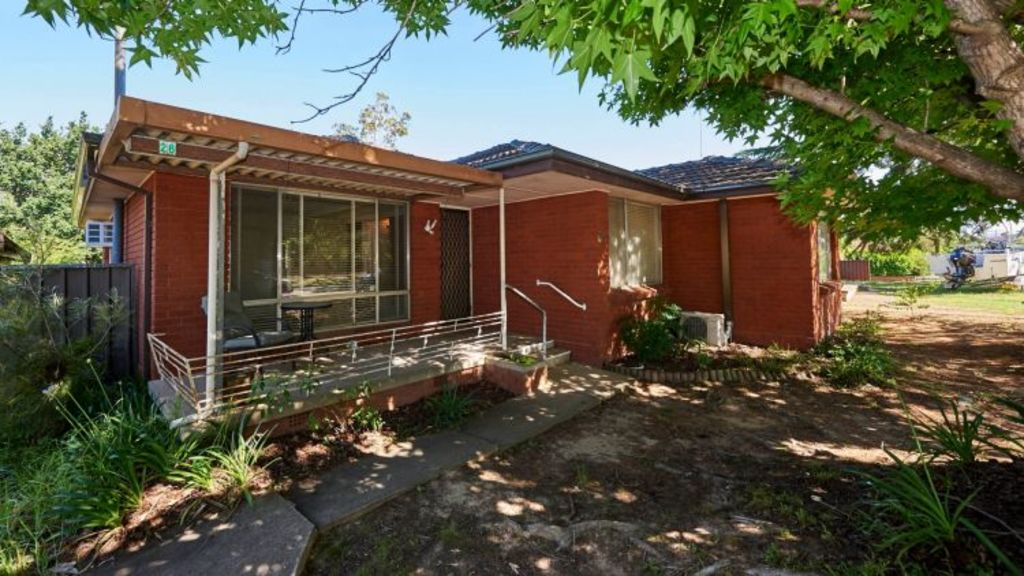 Before: A home in Emu Plains prior to it being renovated. Photo: Cherie Barber