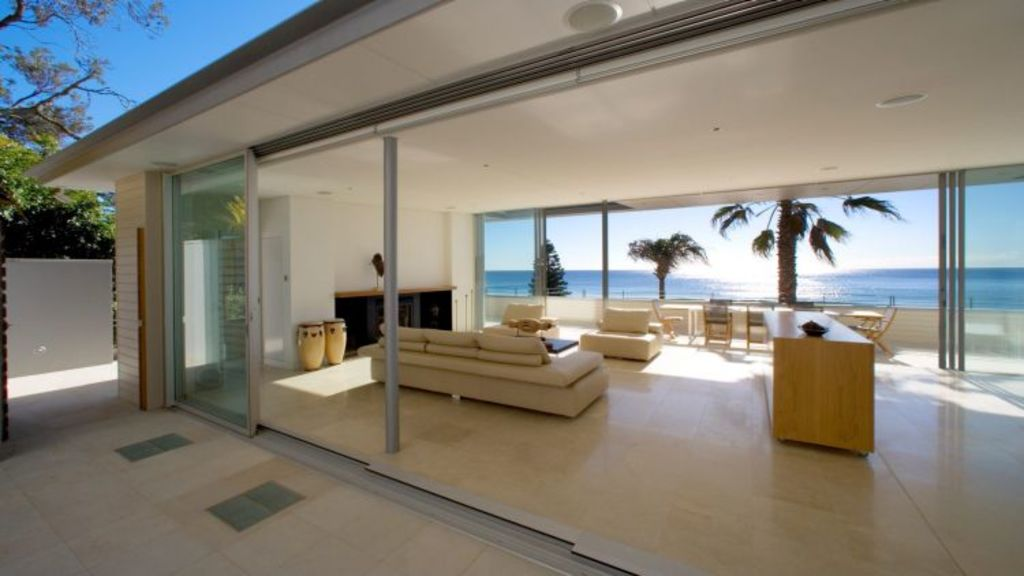 This Alex Popov designed Palm Beach home is in prime luxury holiday rental territory. Photo: Domain.com.au