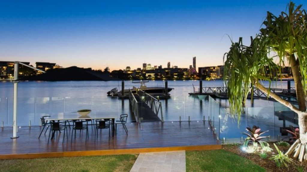 The view of Brisbane from riverfront Hawthorne homes. Photo: domain.com.au