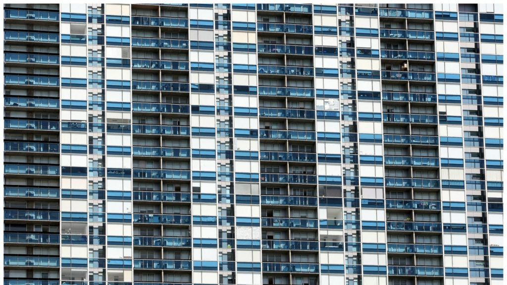 More than half of the 3000 apartments studied did not provide adequate sunlight to bedrooms. Photo: Craig Abraham
