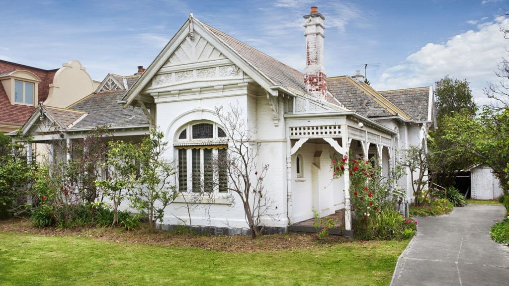 This rundown Toorak house sold for more than $5.8 million, a heavy discount, after it passed in at auction. Photo: RT Edgar