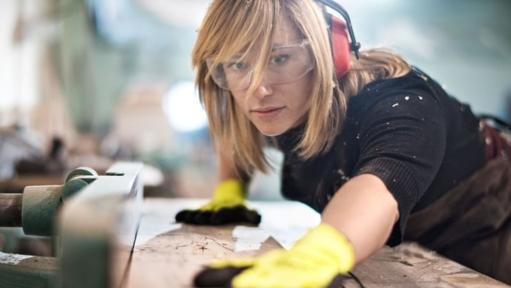 One of the toughest things about renovating is finding the right tradespeople. Photo: istock