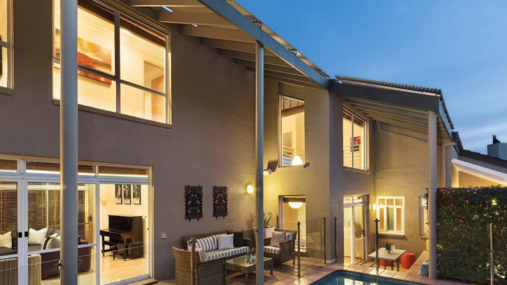 The most expensive house sold on Saturday was 40A Mary Street Longueville which went for $8,000,000.
