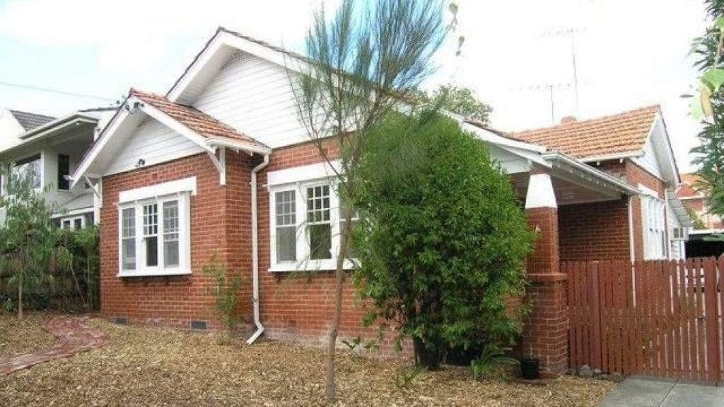 Across the road, the college bought 6 Hambledon Road in 2007 for $1.85 million. Photo: domain.com.au