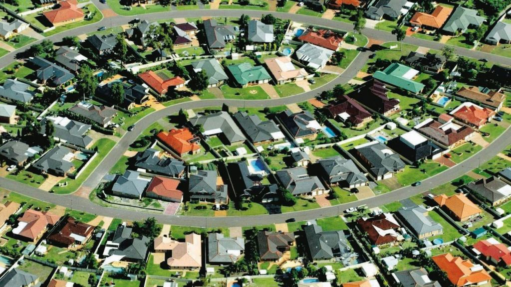 Poorer suburbs are more likely to have fewer trees and be more than 10 degrees hotter, a study has found. Photo: The Age