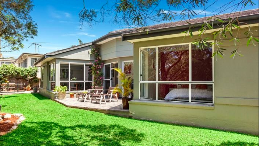In Seaforth, Ray White sold a three-bedroom house on a battle-axe block at 35A Wakehurst Parkway for $1.326 million.