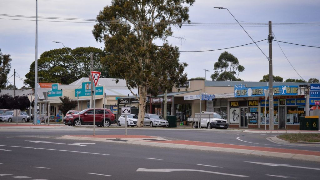 Many of the locals like the relaxed country feel, but as the town heads towards a population of 20,000, how long will it last? Photo: Reg Ryan