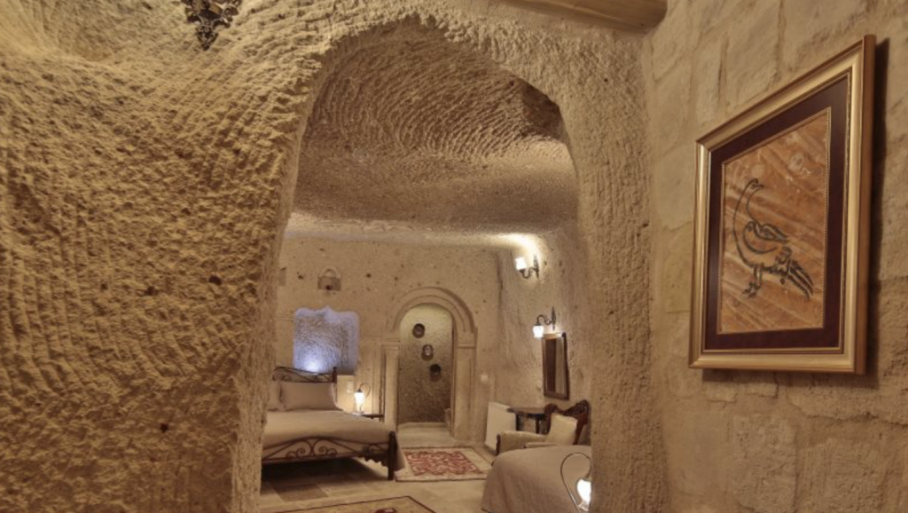 A room inside the Vista Cave Hotel.