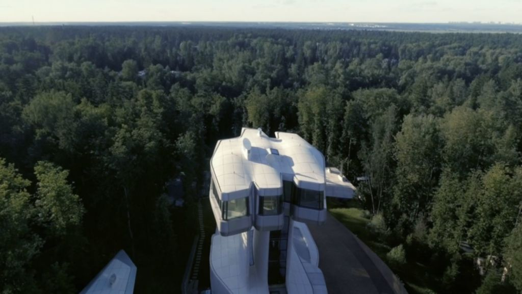 Owner Vladislav Doronin wanted to be able to see over the treetops. Photo: okogroup.com