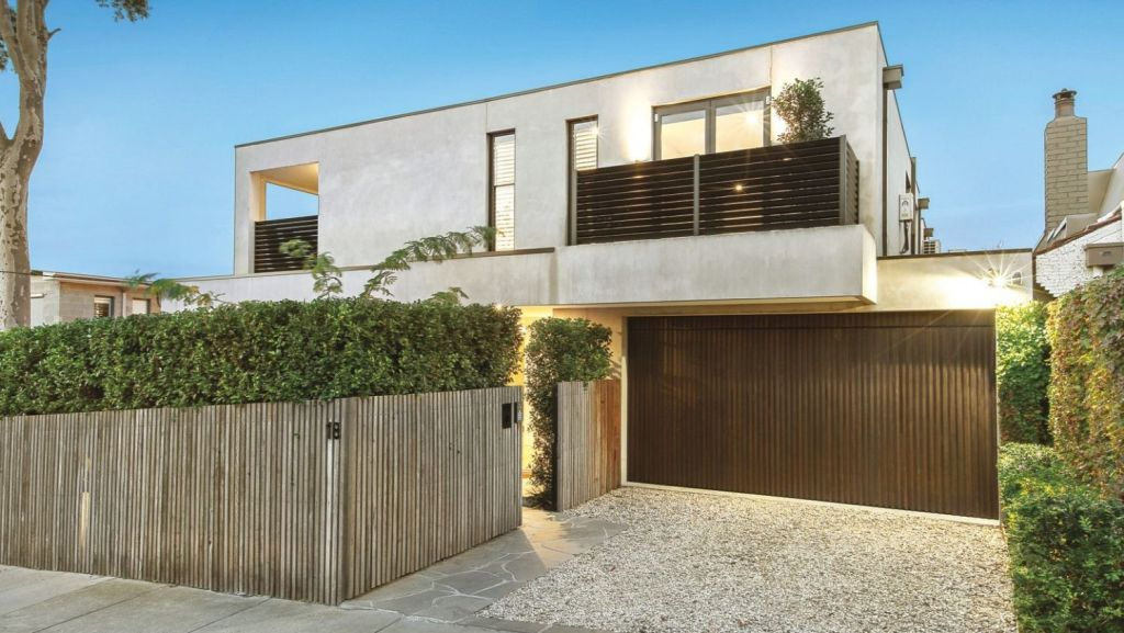 The auction of a two-year-old home at 18 Plant Street, opened on a $3 million vendor bid.