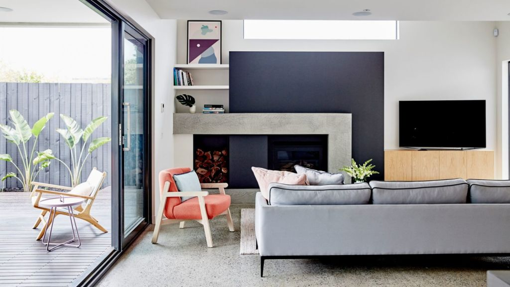 Australians have a penchant for designing exemplary indoor-outdoor spaces. Photo: James Geer. Styling: Aimee Tarulli