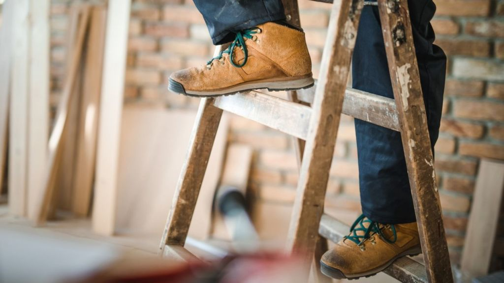 Here are the most common tactics tradies use and how you can avoid falling for them. Photo: iStock