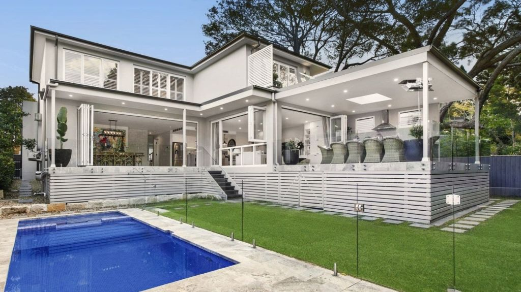 Even though 130 groups inspected a large home at 15b Sunnyside Crescent, Castlecrag, the property failed to sell at auction.
