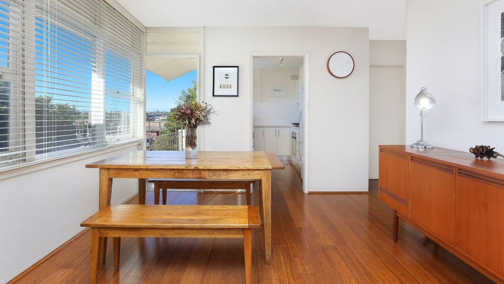 Apartments with natural light will see better growth than poorly lit units. Photo: Domain.com.au