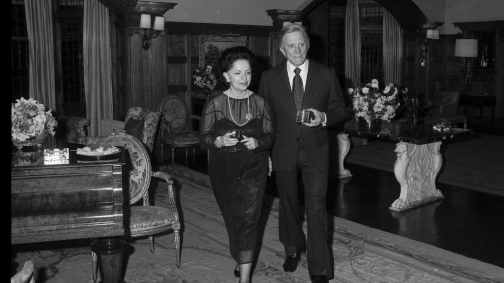 Lady Fairfax hosted the actor Kirk Douglas at Fairwater in 1980. Photo: Keith Byron