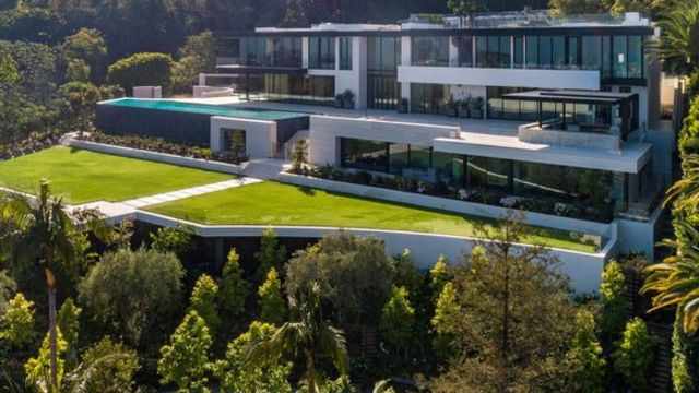 You really wish: It costs $2.2m a month to rent this American megamansion