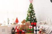 Real versus fake Christmas trees: What's better for the environment?