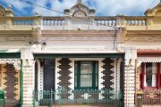 One-bedroom house in Carlton North sells for nearly $1m at auction