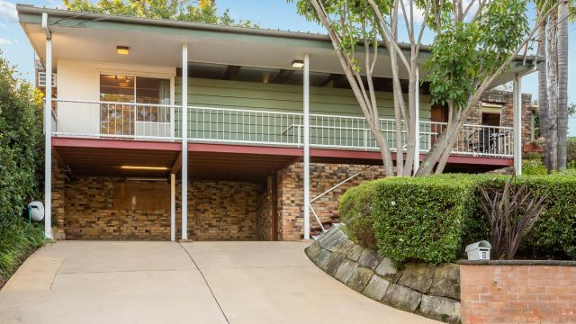 'A good feeling': Agents upbeat as bidders return to Sydney auctions