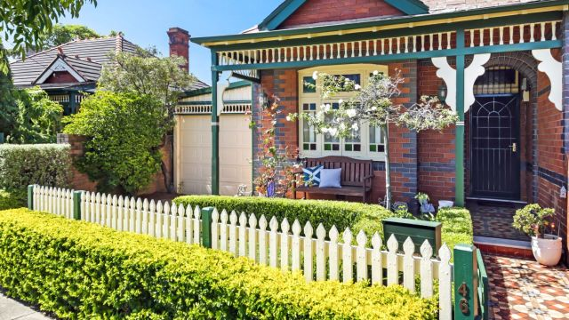 Six easy and affordable ways to improve your garden before sale