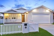 Beachside suburbs heating up in winter as buyers snap up prime properties
