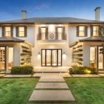 Still hot at the top as buyers snap up Melbourne's best homes