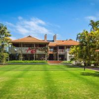 Palm Beach weekender, complete with rare tennis court, sells for $21m