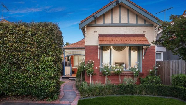 'Zero urgency': Despite some strong results, jitters hit Melbourne auctions