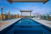 Chinese shipping magnate leads bull run of Sydney trophy apartments
