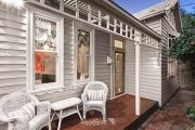 Real estate agents report seeing 'more zing' from buyers at weekend auctions
