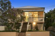 Two-bidder tussle pushes sale price of Paddington house to $1.15m at auction