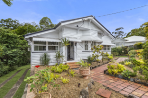 Bardon house held by same family for more than 60 years sells for $260,000 above reserve