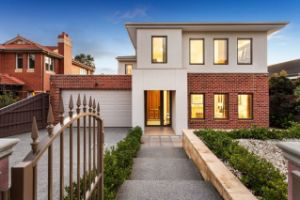 Chilly weather no barrier to buyers as Melbourne clearance rate soars