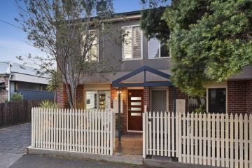 Two houses, one shared wall, two sales within days. Which fetched the higher price?