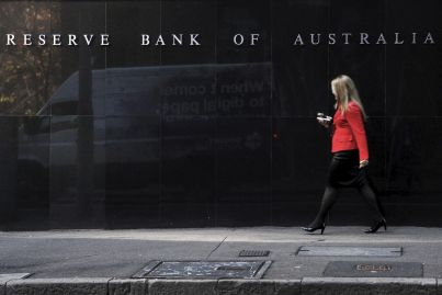 Reserve Bank keeps cash rate on hold but cut is imminent