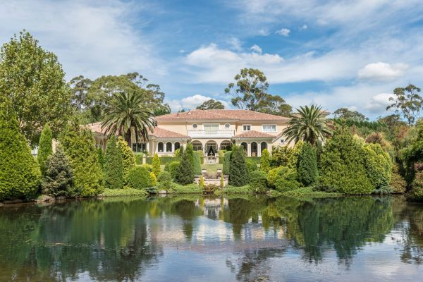 Bowral's Bellagio estate bought by Chinese real estate scion