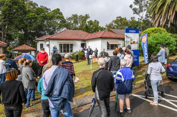 Auction of a deceased estate in Ryde
