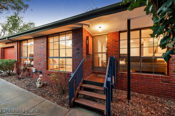 2/5 Marilyn Court, Watsonia.