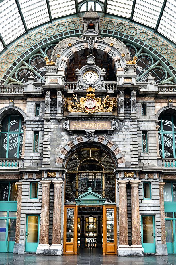 Antwerp_central_train_putcog