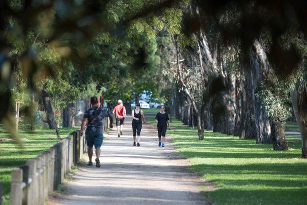 Houses in Melbourne Neighbourhood - Investors Advisors