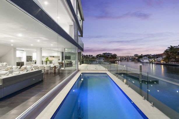 24 Hampton Court, Sovereign Islands QLD