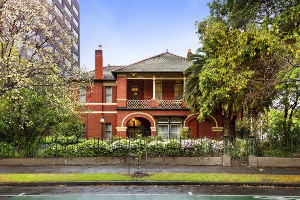 490 St Kilda Road, Melbourne. Harcourts.