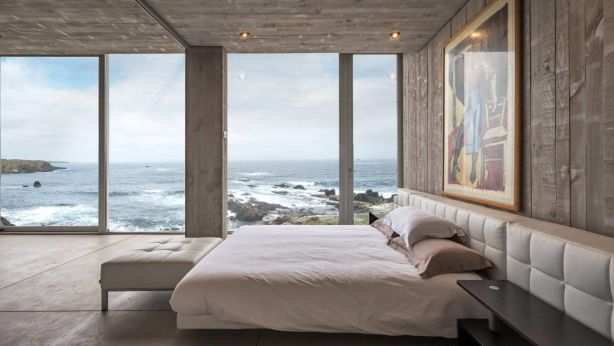 Naturally, the master suite is positioned within the cantilevered volume for the most dramatic views. Photo: William Rojas
