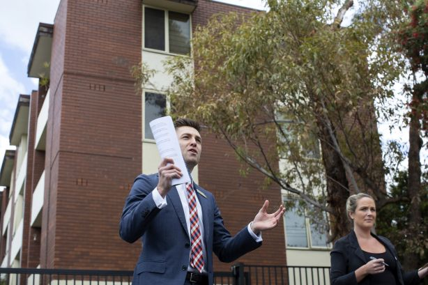 Auction_Stirling_St_Footscray_11_s1mm7u