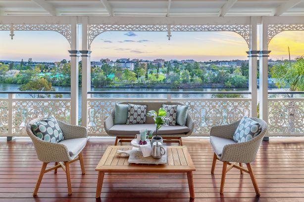 50 Dauphin Terrace Highgate Hill QLD