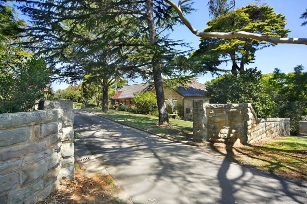 Jill Blythe sold 6 Maroopna Road Yowie Bay for $7.5 million