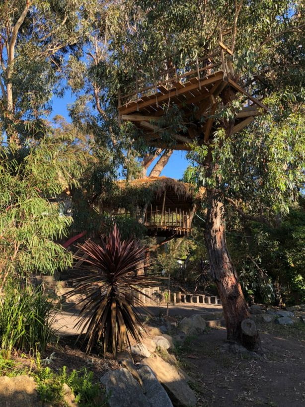 The treehouse is three-tiered.
