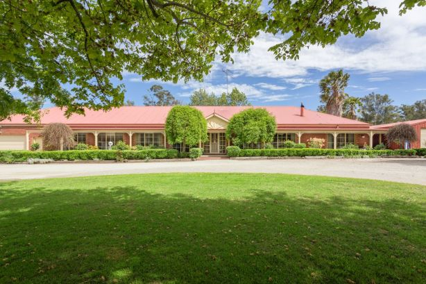 295 Army Road, Pakenham
