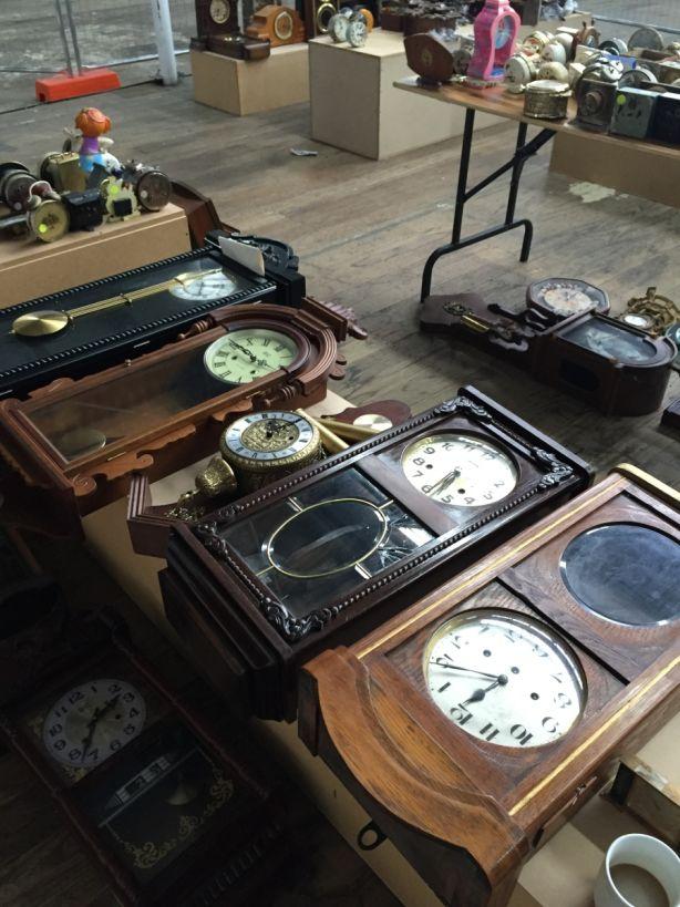 Abbeys Auctions 4000 clocks